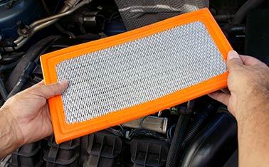Troca dos Filtros de Óleo, Ar e Combustível do Motor